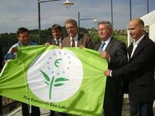 """Consegnata la bandiera Ecolabel alla dimora storico romantica """"Il Sole e la Luna"""""""