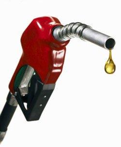 BENZINA: Ferma ad 1,63 Euro al litro nonostante la discesa del prezzo del Petrolio