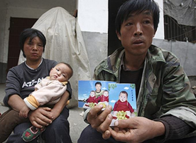 Acusan a China de ocultar el número de bebés muertos por la leche adulterada con melamina