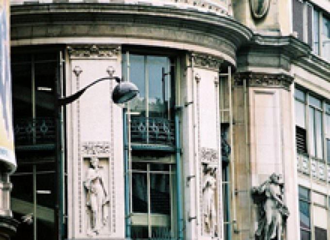 Parigi, esplosivo ai grandi magazzini Printemps, rientrato l'allarme