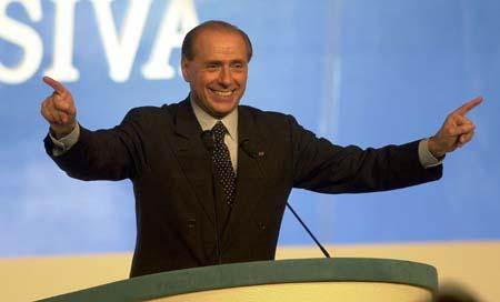 """Berlusconi presenta il G8 de L'Aquila: il nostro messaggio sarà """"People first"""""""