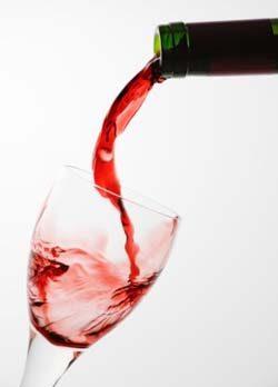 Mezzo bicchiere di vino al giorno per 5 anni di vita in più