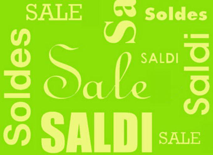 Saldi: Salgono gli acquisti di capi di stagione, calano invece quelli di prodotti griffati