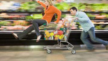 Inflazione: Coldiretti, consumi in ripresa a tavola anche per Natale