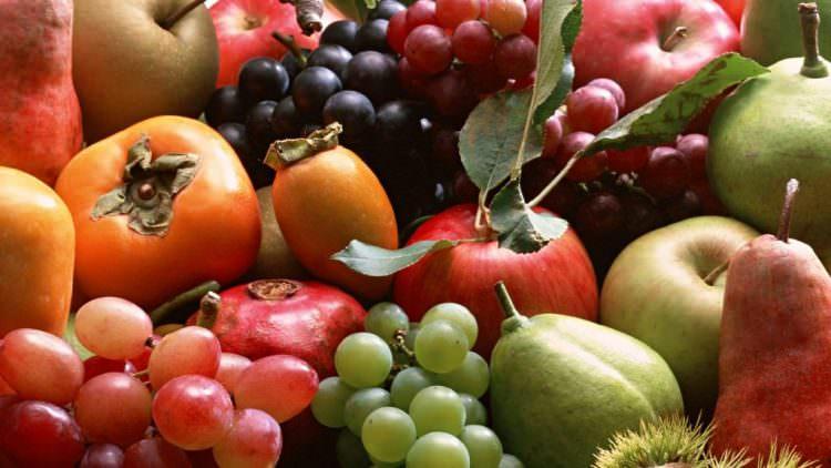 Mangiare frutta e verdura rende più intelligenti