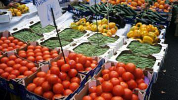 Consumi: Calo complessivo dell'8%, -25% nella ristorazione e -3% negli alimentari