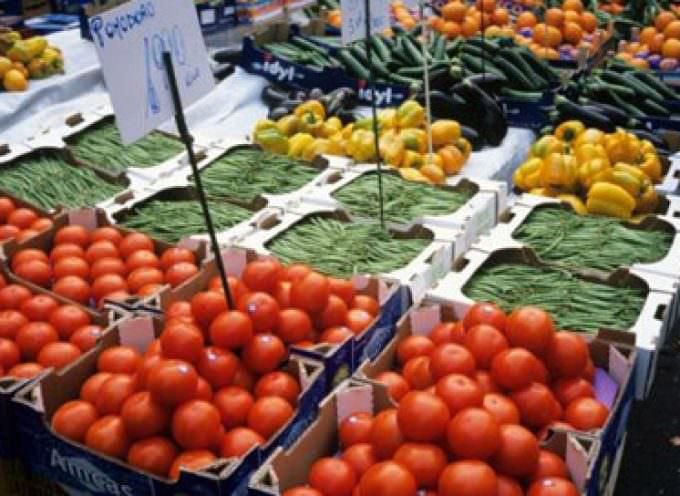 Consumi, Confcommercio: Attenuata a dicembre la tendenza negativa