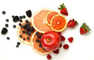 Diabete: la frutta difende, i succhi di frutta lo favoriscono