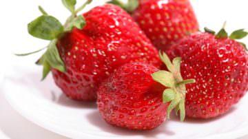 Più fragole e mirtilli, meno rischio ipertensione