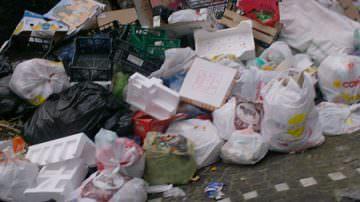 Rifiuti, nel 2007 ogni cittadino UE ha prodotto mezza tonnellata di immondizia