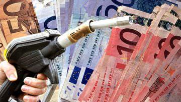 Ancora aumenti, da gennaio prezzo benzina rincarato del 24%, un pieno costa 17 euro in piu'