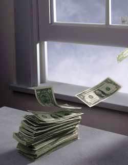 Se l'azienda fallisce la dichiarazione dei redditi per il periodo antecedente alla crisi va presentata dal curatore