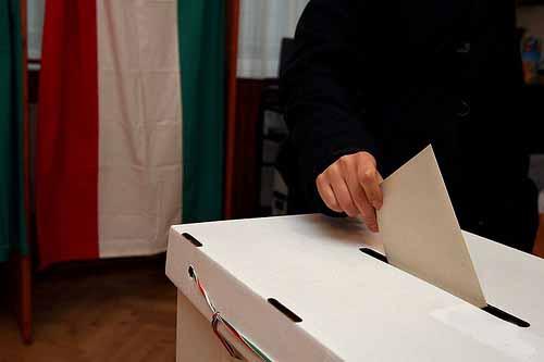 Elezioni: reddito, lavoro e sicurezza le priorità dei cittadini