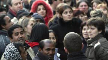 """Immigrati: al via le prenotazioni per i test di lingua. """"rischio rallentamento per le procedure di regolarizzazione"""""""
