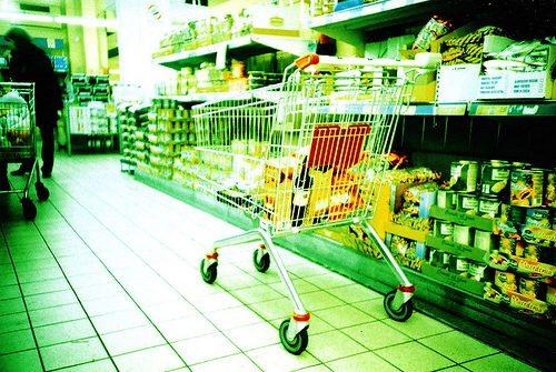 I carrelli dei supermercati, un nido di batteri