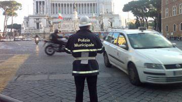 Roma, ADUC: Capitale delle buche e degli scippatori
