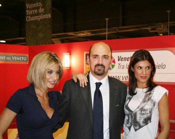 Vinitaly 2009: le Veline, il Campione, la Sciabola e il Vino Veneto