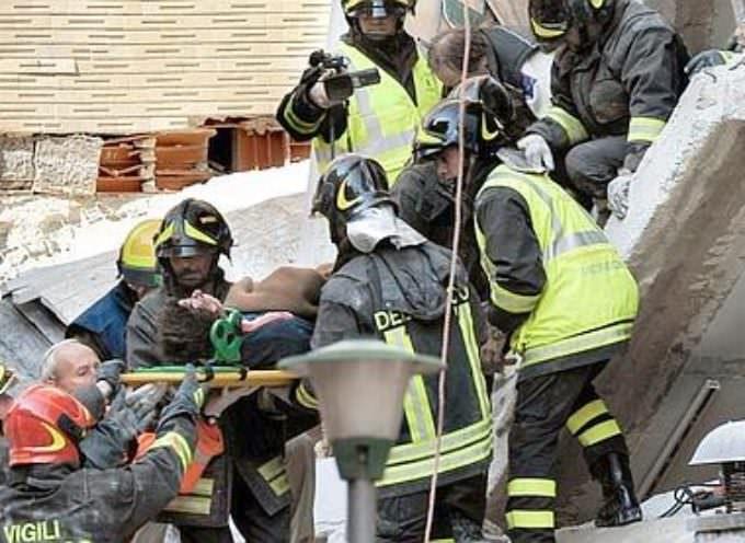 Un violent séisme frappe le centre de l'Italie