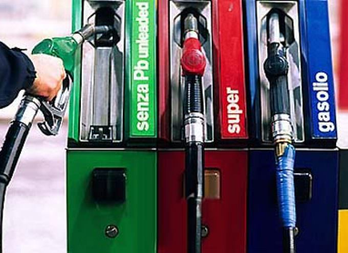 Benzina: Coldiretti, un pasto percorre in media 1900 km