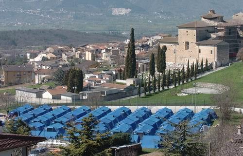 Terremoto, lo SPI CGIL denuncia: a L'Aquila nelle tendopoli è emergenza anziani
