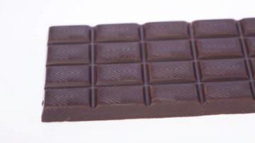 Gran Bretagna. Supermercato svende cioccolato, l'ira dei nutrizionisti