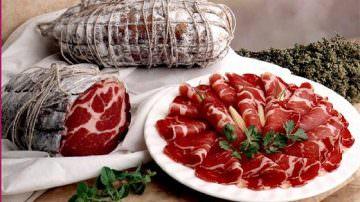 Nuova influenza: nonostante le assicurazioni, calano i consumi di carne suina fresca e di salumi