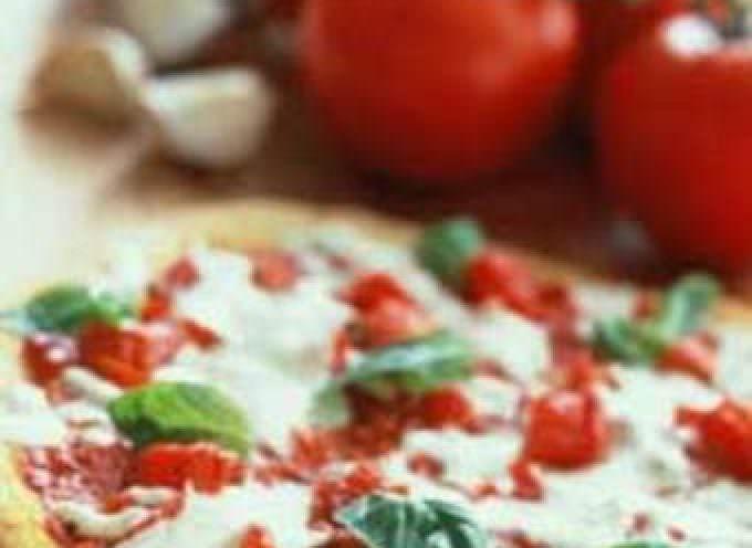 Il pizzaiolo professionale nella pizzeria