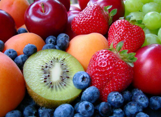 """""""Mangia sano e guadagna salute"""": nelle scuole baresi si fa merenda con la frutta"""