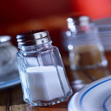 Troppi morti: in Gran Bretagna inizia la guerra a sale e grassi saturi