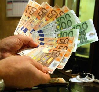 L'Unione Nazionale Consumatori denuncia: Banche, basta furbate!