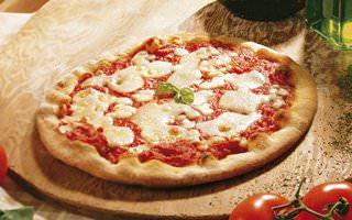 Napoli festeggia il marchio Stg con 1000 pizze gratis