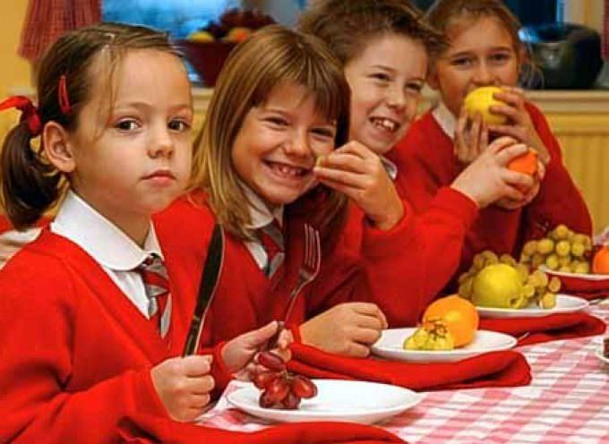 """Frutta a scuola, """"Interferenza delle istituzioni con la famiglia"""""""