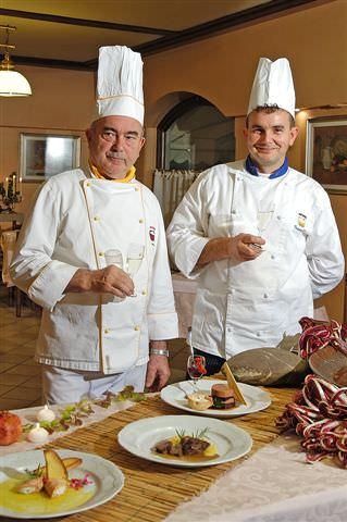 Una grande festa a base di asparagi e erbette nella serata Superbe Da Domenico