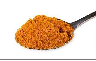 Curry: la sua curcumina indebolisce il cancro