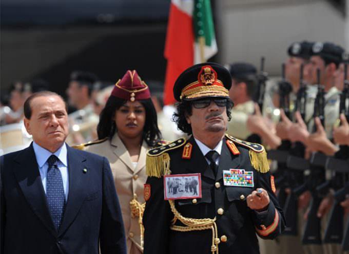 Vietata a Gheddafi l'aula del Senato, vincono le opposizioni ma oggi parla dal Campidoglio (e Sky trasmette stasera il film vietato per 22 anni)
