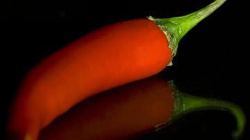Mezzo cucchiaino di peperoncino riduce le calorie e contiene la fame