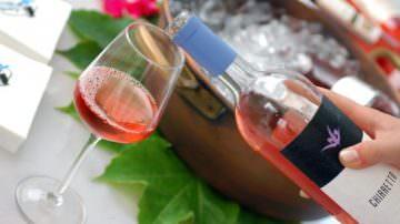 Il 26 giugno a Moniga del Garda, patria del Chiaretto, un brindisi per festeggiare il dietrofront europeo sui rosè