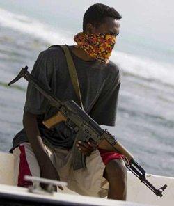 """""""Mio figlio sta morendo di fame, i pirati lo uccideranno"""" Denuncia di uno dei padri dei marinai del Bucaneer"""
