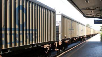 Ferrovie: deragliano due carri merci, Italia divisa in due