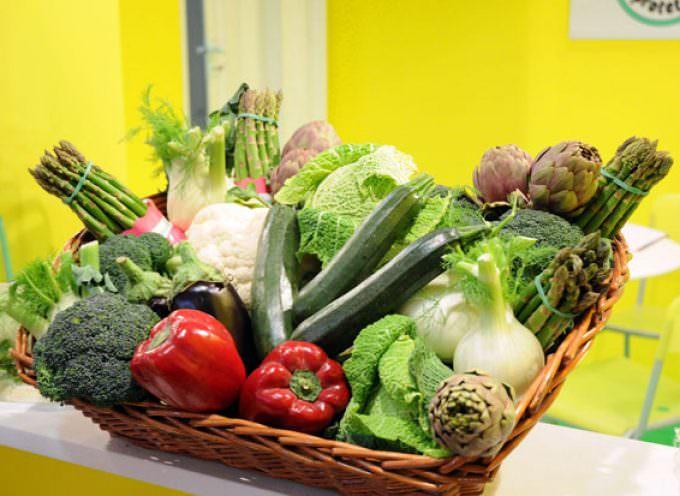 Frutta e verdura fresca, la via contro la demenza