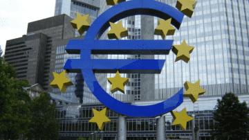 Petrolio, Adusbef: così la BCE finanzia la speculazione su pelle consumatori