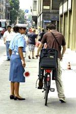 Chi sbaglia con la bici perde i punti della patente dell' auto