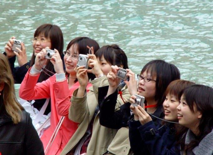 Turisti giapponesi truffati al ristorante, a Roma altro caso