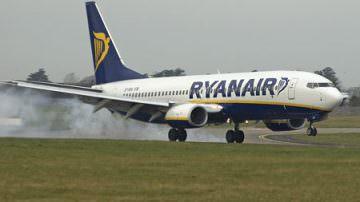 Ryanair: posto in piedi in cambio sconti, voto a passeggeri