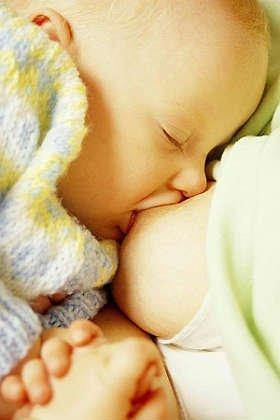 Donne: allattare al seno protegge da obesità e diabete
