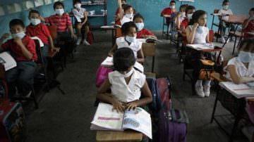 Influenza Suina: Italia, dubbi sull' inizio delle scuole. Intanto, nuovi casi di malattia