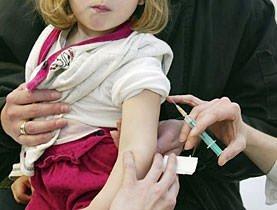 """Influenza A. GlaxoSmith: """"Per essere immuni, basta una dose di vaccino"""""""