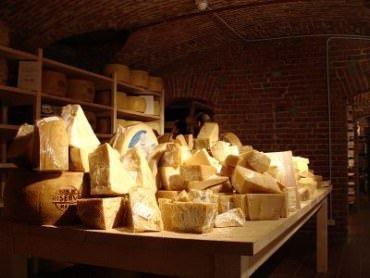 Latte e formaggio contro la caduta dei denti