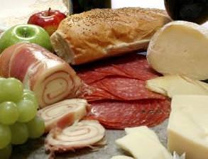 Consumi: Coldiretti, cibi locali per 2 italiani su 3 contro frodi a tavola