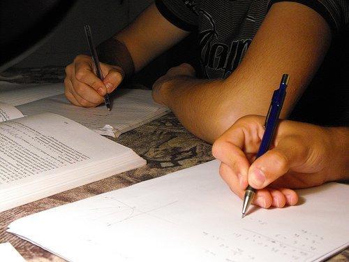 """""""Notte prima degli esami"""": l'energy drink degli studenti per gli studenti"""